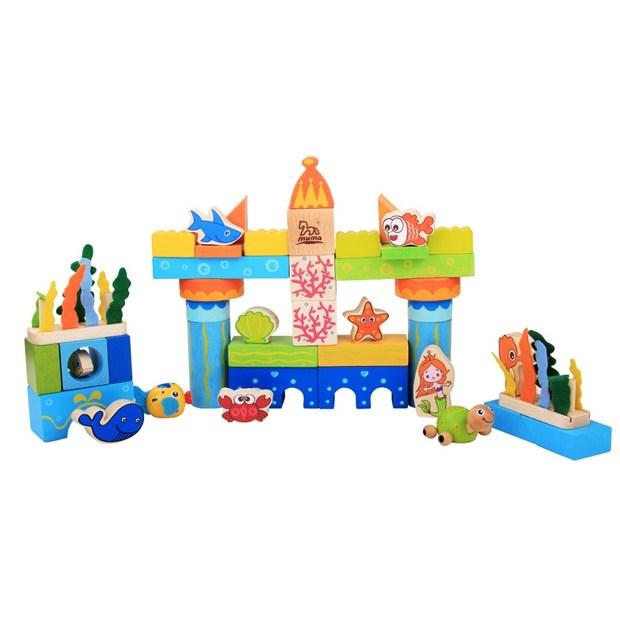 色彩和可爱的场景造型组合而成的积木玩具,配上许多可爱的海洋动物